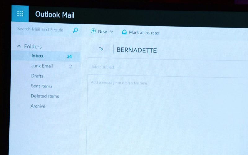 Outlook Mail in Where'd You Go, Bernadette (1)