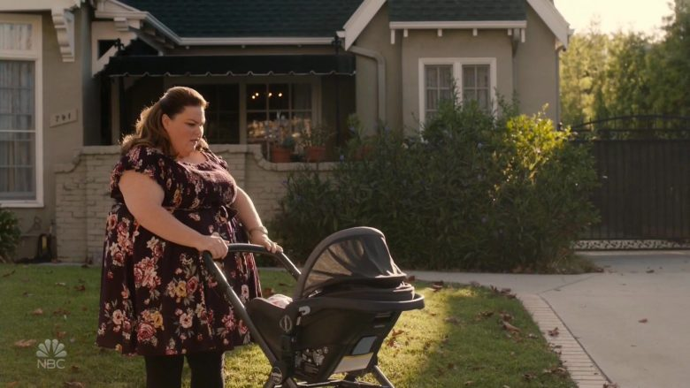 """Peg Perego YPSI Stroller in This Is Us Season 4 Episode 8 """"Sorry"""" (2019) - TV Show Product Placement"""