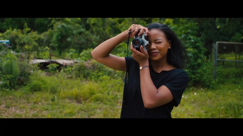 Pentax Camera in The Photograph (2020) - Movie Product Placement