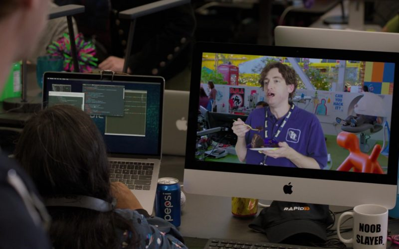 Pepsi Can, Apple iMac, Rapid7 Cap in Silicon Valley Season 6 Episode 4