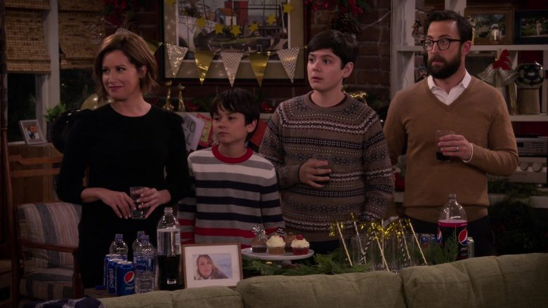 Pepsi Soda Cans and Bottles in Merry Happy Whatever Season 1 Episode 8 (5)