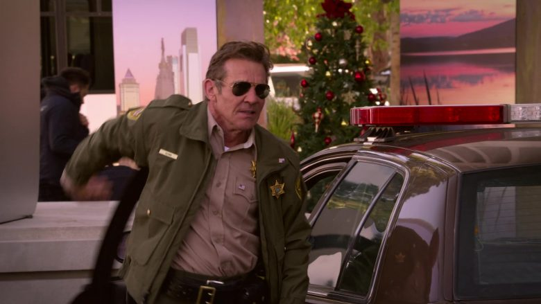 Ray-Ban Aviator Sunglasses Worn by Dennis Quaid as Don Quinn in Merry Happy Whatever Season 1 Episode 8 (1)
