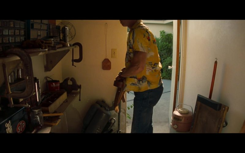 STP Motor Oil Sticker in Once Upon a Time … in Hollywood (2019)
