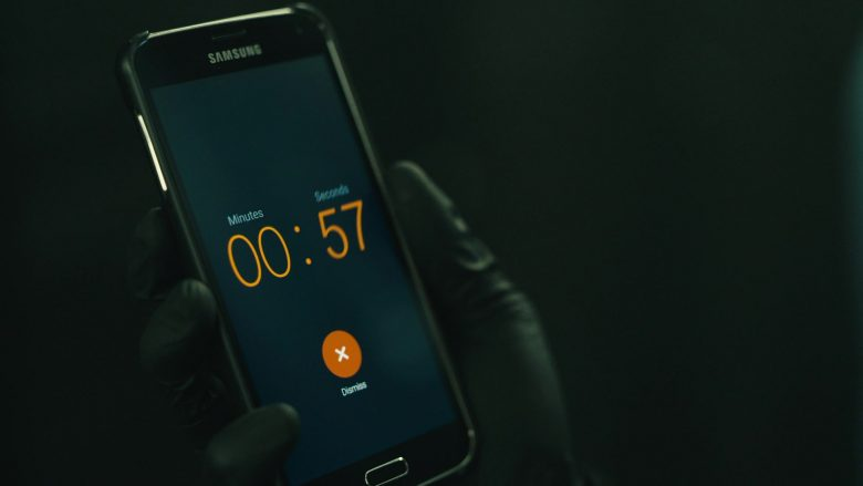 "Samsung Galaxy Mobile Phone Used by Rami Malek as Elliot Alderson in Mr. Robot Season 4 Episode 5 ""405 Method Not Allowed"" (2019) - TV Show Product Placement"