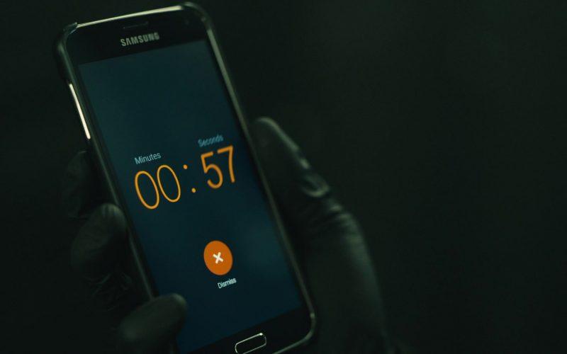 Samsung Galaxy Mobile Phone Used by Rami Malek as Elliot Alderson in Mr. Robot Season 4 Episode 5 (2)