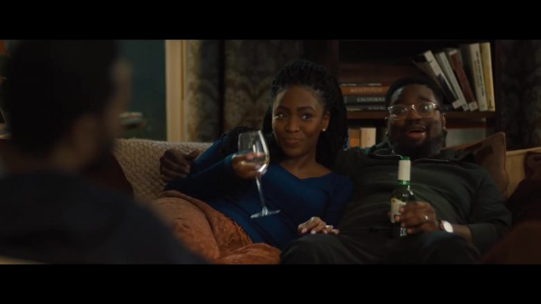 Stella Artois Beer Enjoyed by Lil Rel Howery in The Photograph (2020) - Movie Product Placement