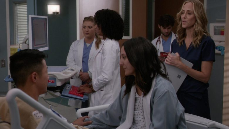 """Surface Tablet by Microsoft in Grey's Anatomy Season 16 Episode 9 """"Let's All Go to the Bar"""" (2019) TV Show"""