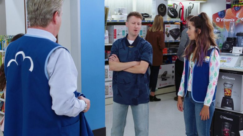 Vitamix Blenders in Superstore Season 5 Episode 7 Shoplifter Rehab (1)