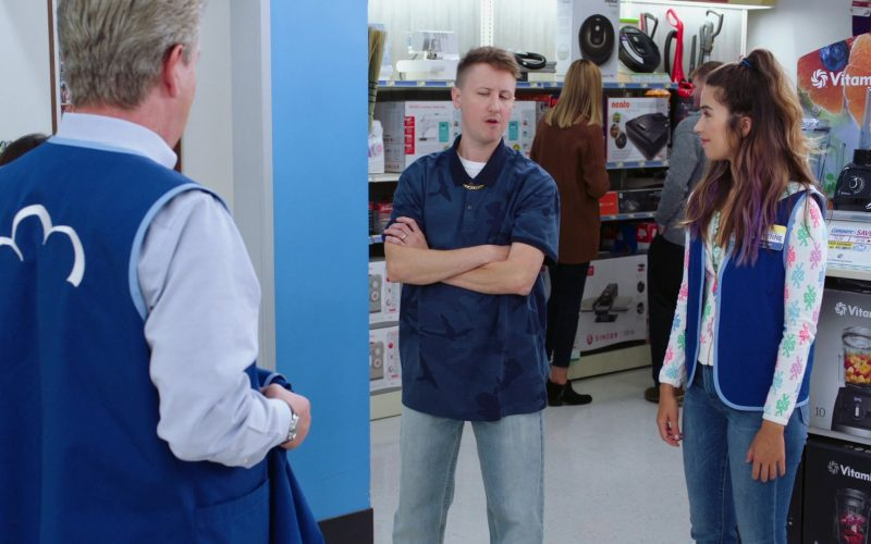 Vitamix Blenders in Superstore Season 5 Episode 7 Shoplifter Rehab (1)