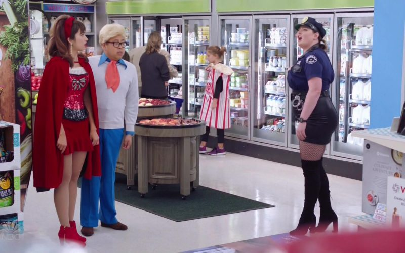 Vitamix in Superstore Season 5 Episode 6 Trick-or-Treat