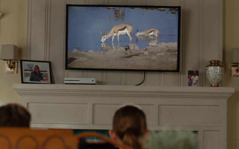 Xbox Console in American Housewife Season 4 Episode 7 Flavor of Westport