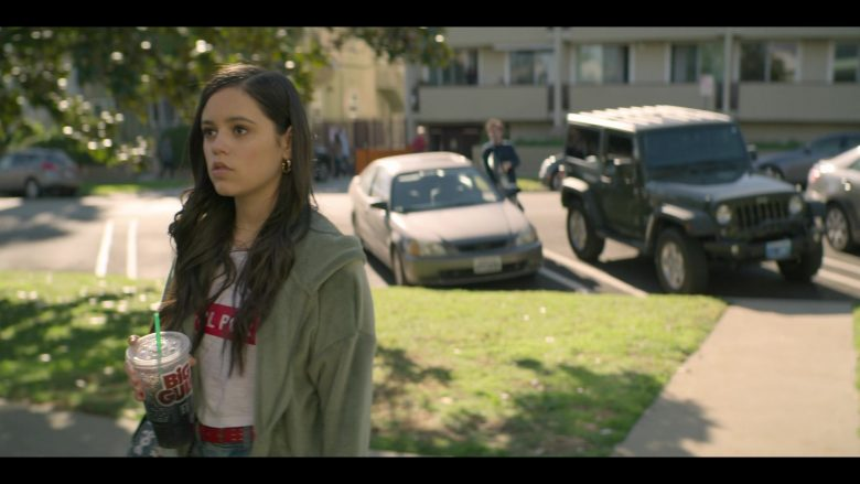 7-Eleven Big Gulp Drink Enjoyed by Jenna Ortega as Ellie Alves in YOU Season 2 Episode 1 A Fresh Start (1)