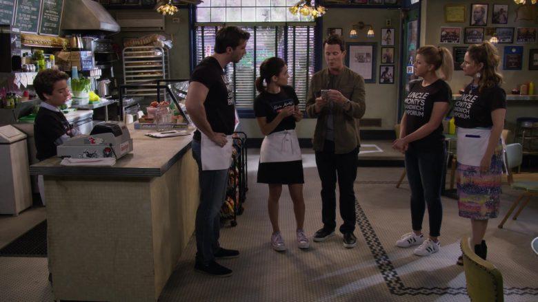 Adidas Sneakers Worn by Jodie Sweetin as Stephanie Tanner in Fuller House Season 5 Episode 5 (3)