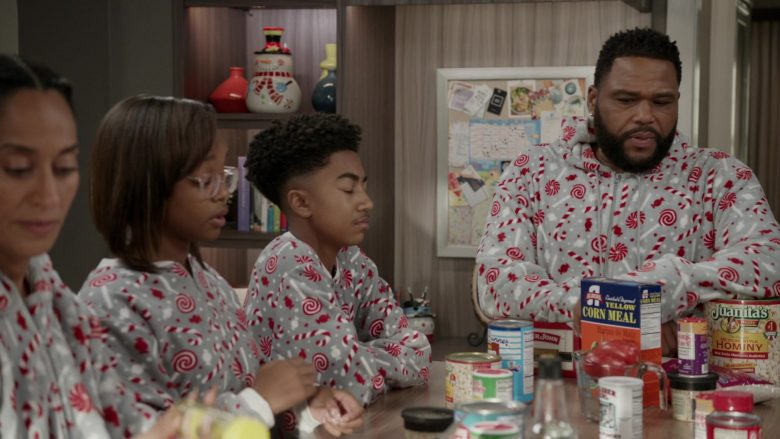 Albers Yellow Corn Meal and Juanita's Foods Mexican-Style Hominy in Black-ish Season 6 Episode 10