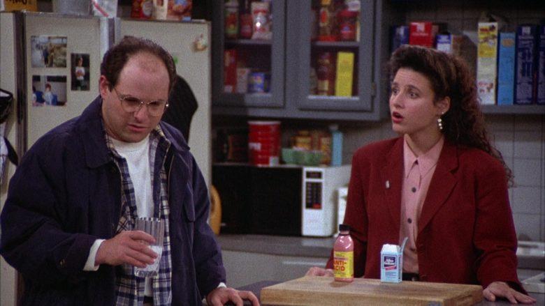 Alka-Seltzer Held by Jason Alexander as George Costanza in Seinfeld Season 2 Episode 4 (2)