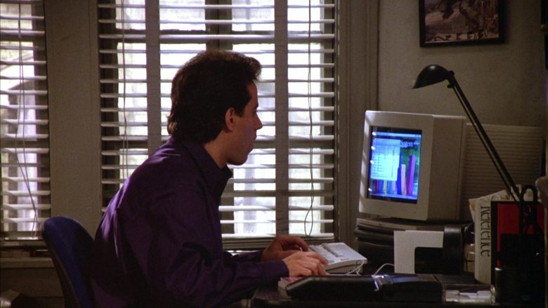 Apple Computer Used by Jerry Seinfeld in Seinfeld Season 5 Episode 12 The Stall (1)