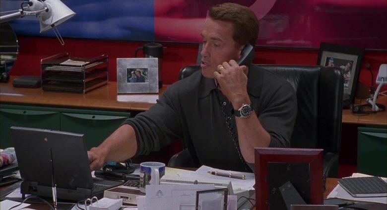 Apple Laptop Used by Arnold Schwarzenegger in Jingle All the Way