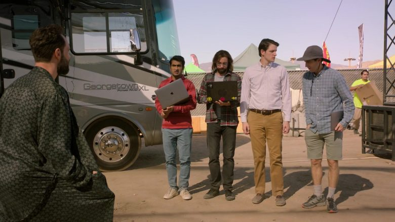 Apple MacBook Laptop Used by Kumail Nanjiani as Dinesh in Silicon Valley Season 6 Episode 6 (1)