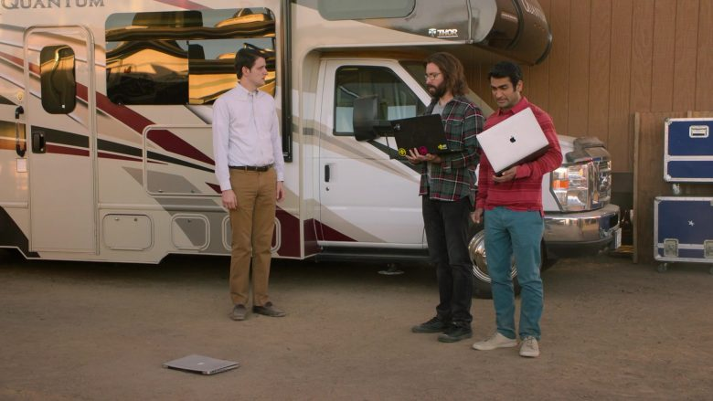Apple MacBook Laptop Used by Kumail Nanjiani as Dinesh in Silicon Valley Season 6 Episode 6 (5)