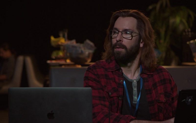 Apple MacBook Laptop Used by Martin Starr as Bertram Gilfoyle in Silicon Valley Season 6 Episode 7 (2)