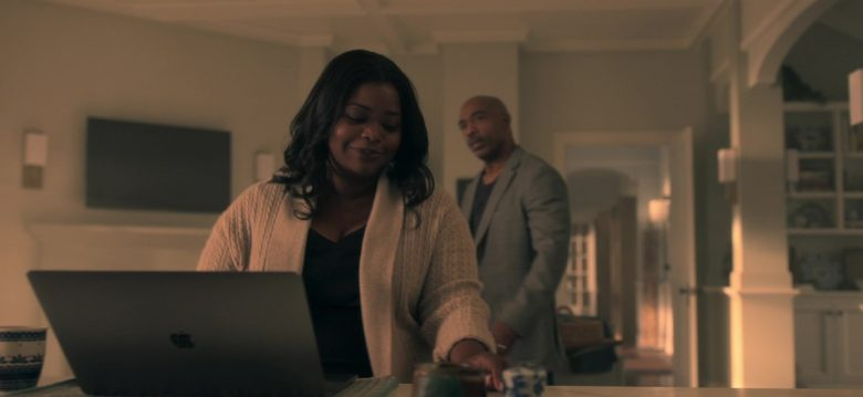 Apple MacBook Laptop Used by Octavia Spencer as Poppy Parnell in Truth Be Told Season 1 Episode 5 Graveyard Love (2)