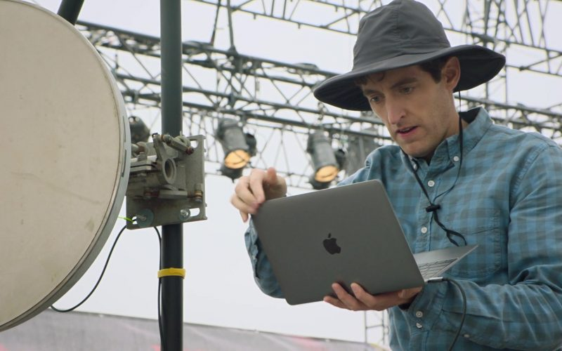Apple MacBook Laptop Used by Thomas Middleditch as Richard Hendricks in Silicon Valley Season 6 Episode 6 (3)