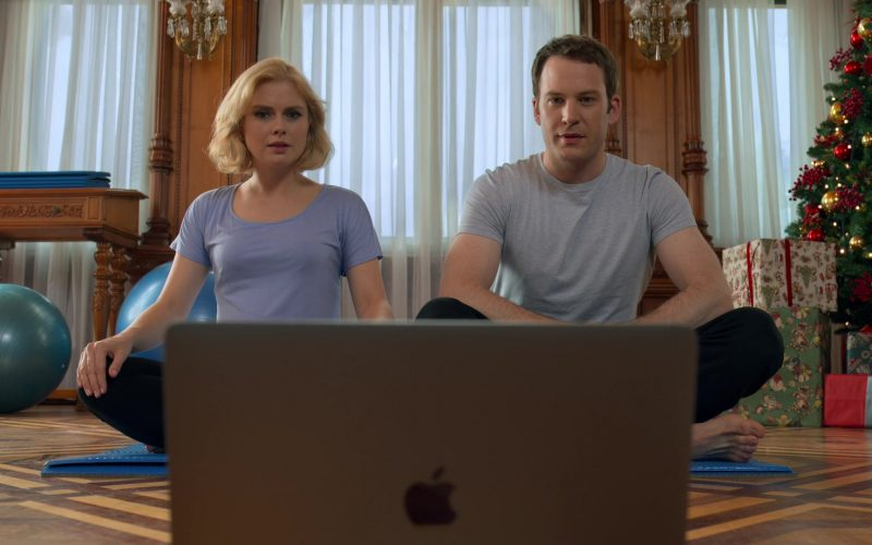 Apple MacBook Pro Laptop Used by Rose McIver & Ben Lamb in A Christmas Prince The Royal Baby (3)