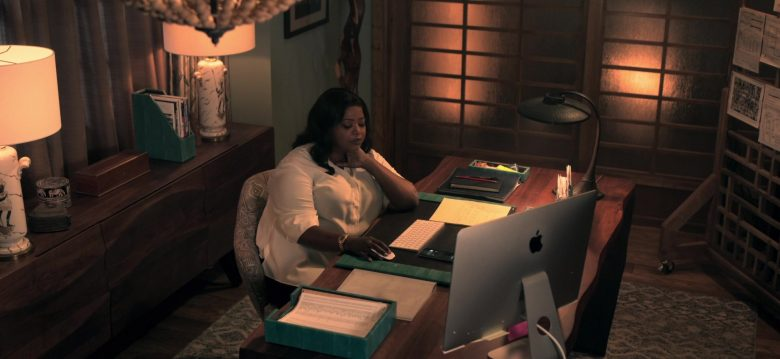 Apple iMac Computer Used by Octavia Spencer as Poppy Scoville-Parnell in Truth Be Told Season 1 Episode 3 (1)