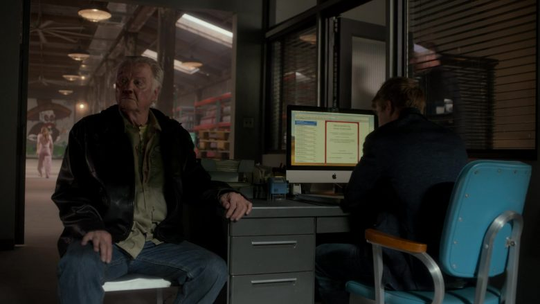 Apple iMac Computer in Ray Donovan Season 7 Episode 3 Family Pictures (2)