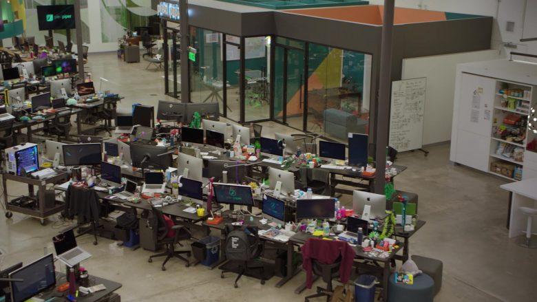 Apple iMac Computers in Silicon Valley Season 6 Episode 1 (3)