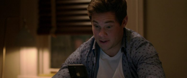 Apple iPhone Smartphone Used by Adam DeVine in Jexi (2)