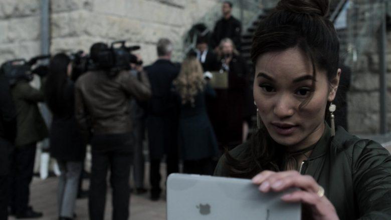 Apple iPhone Smartphone Used by Jacky Lai as Kaylee Vo in V Wars Season 1 Episode 10 (1)