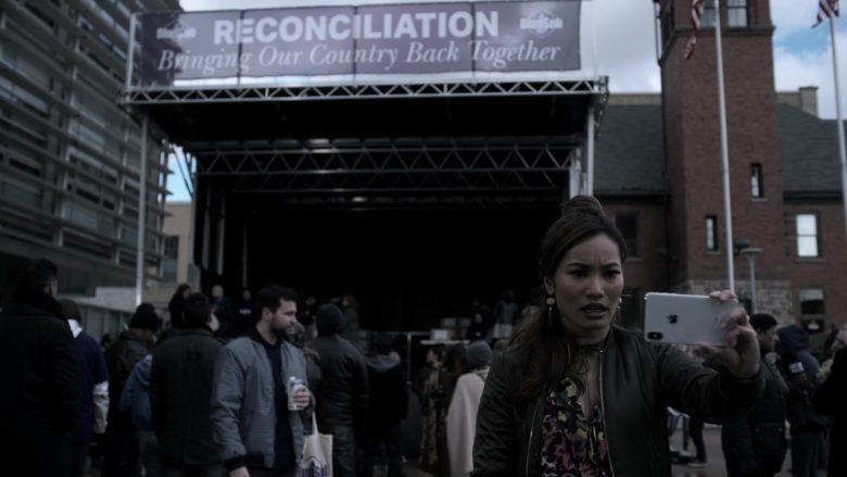 Apple iPhone Smartphone Used by Jacky Lai as Kaylee Vo in V Wars Season 1 Episode 10 (3)