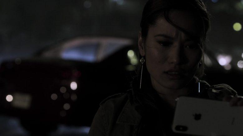 Apple iPhone Smartphone Used by Jacky Lai as Kaylee Vo in V Wars Season 1 Episode 10 (4)