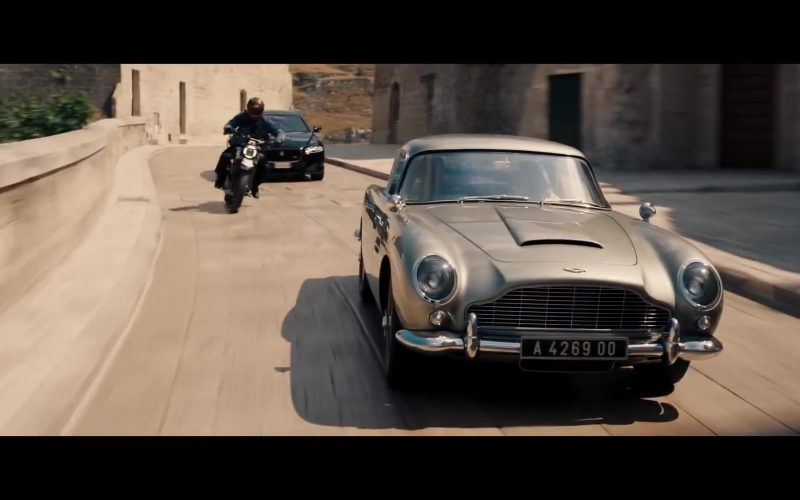Aston Martin DB5 Retro Car Used by Daniel Craig as James Bond in No Time to Die 2020 Movie (3)