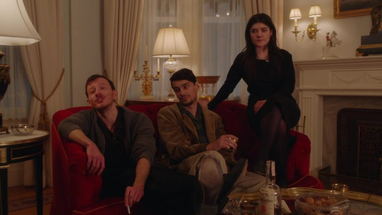 Ballantine's Scotch Whisky in The Marvelous Mrs. Maisel Season 3 Episode 2 (2)