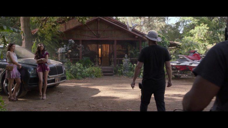 Bentley Bentayga Car in Silicon Valley Season 6 Episode 7 Exit Event