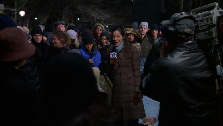 Bloomingdale's Store Bag in Elf (2003)