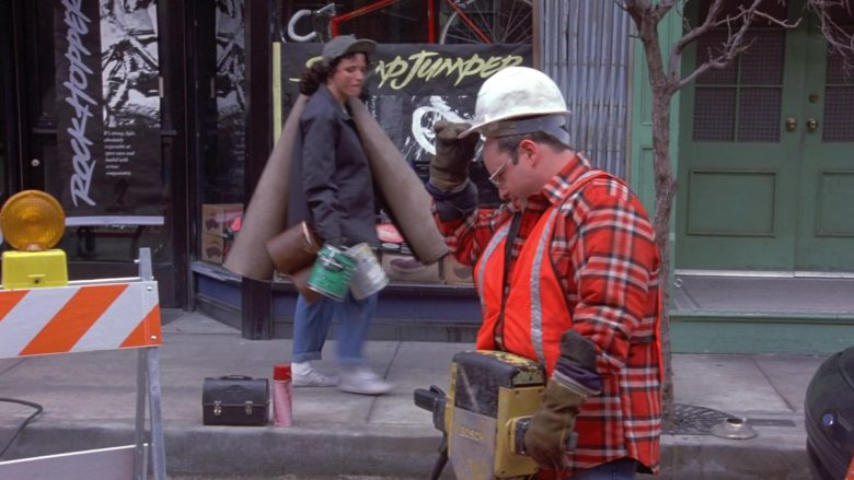 Bosch in Seinfeld Season 9 Episode 21 The Chronicle (1)