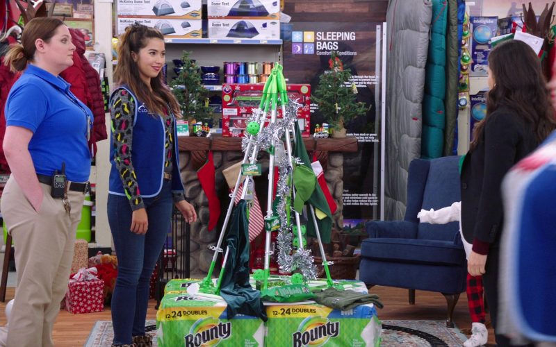 Bounty Paper Towels in Superstore Season 5 Episode 10 Negotiations