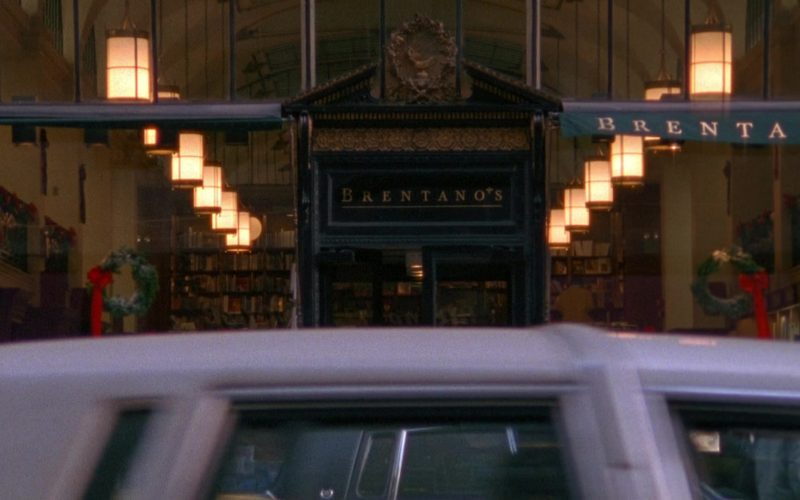 Brentano's Store in Seinfeld Season 9 Episode 17 The Bookstore (1)