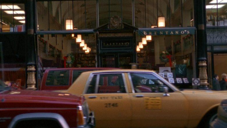 Brentano's Store in Seinfeld Season 9 Episode 17 The Bookstore (3)