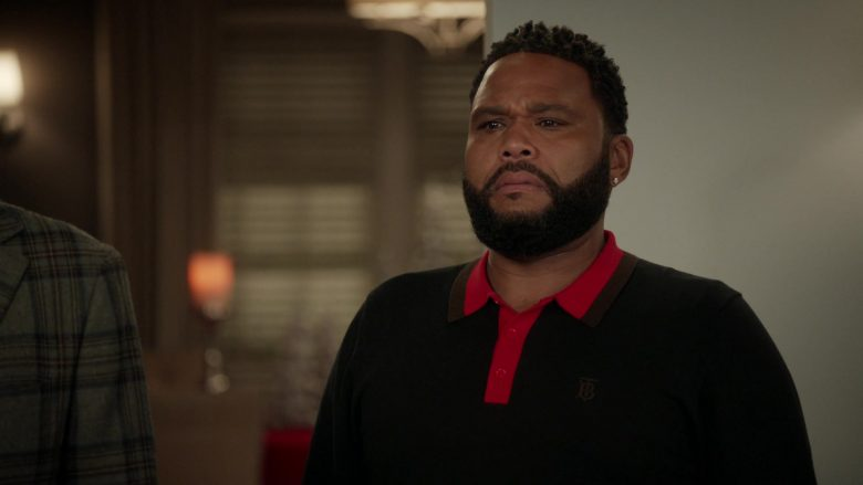 "Burberry TB Monogram Polo Shirt Worn by Anthony Anderson as Andre 'Dre' Johnson in Black-ish Season 6 Episode 10 ""Father Christmas"" (2019) - TV Show Product Placement"