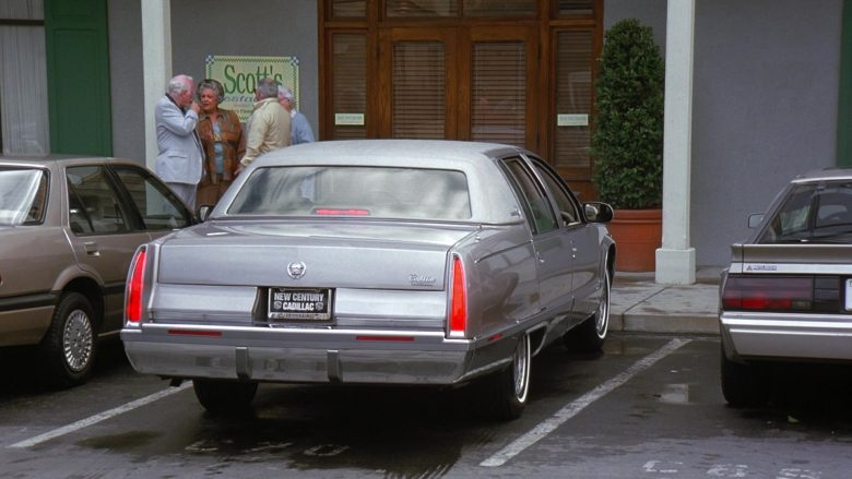 Cadillac Fleetwood Brougham Car in Seinfeld Season 7 Episode 14-15 The Cadillac (4)