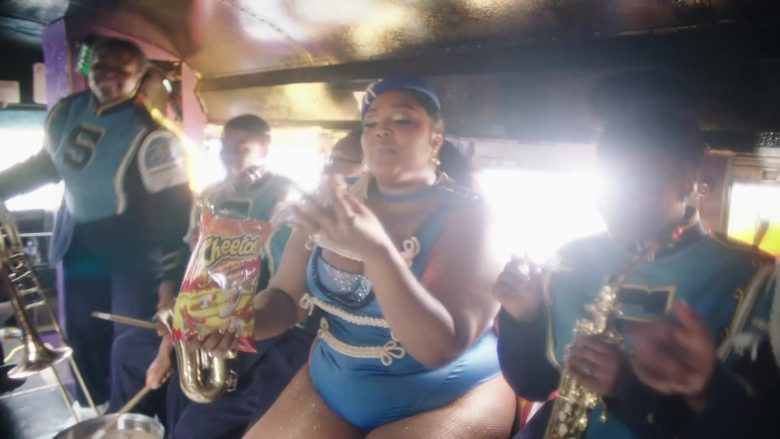 Cheetos Snack Held by Lizzo in Good as Hell (4)