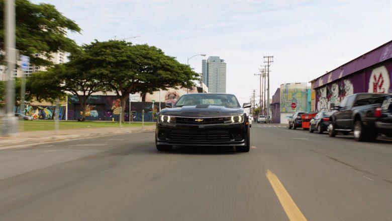 Chevrolet Camaro Black Car in Hawaii Five-0 Season 10 Episode 11 (2)