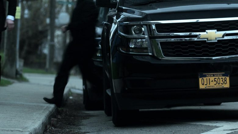 Chevrolet SUVs in V Wars Season 1 Episode 2 Blood Brothers (3)