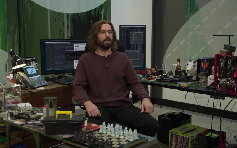 Cisco Phone, Dell Monitors, Homicide Energy Drinks in Silicon Valley Season 6 Episode 6