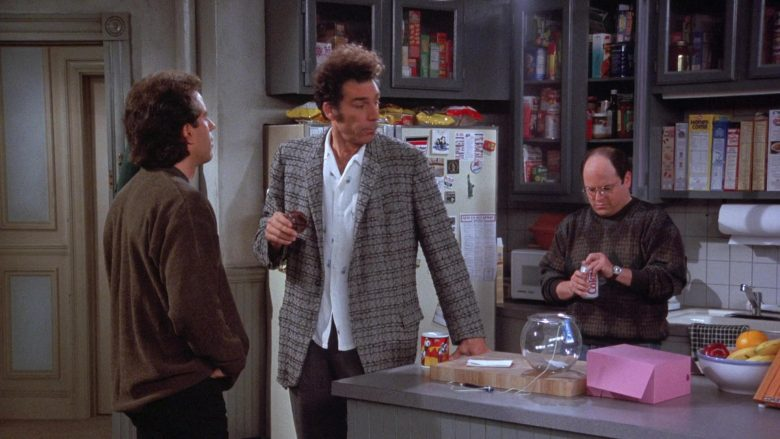 Coca-Cola Soda Enjoyed by Jason Alexander as George Costanza in Seinfeld Season 7 Episode 13 The Seven (1)