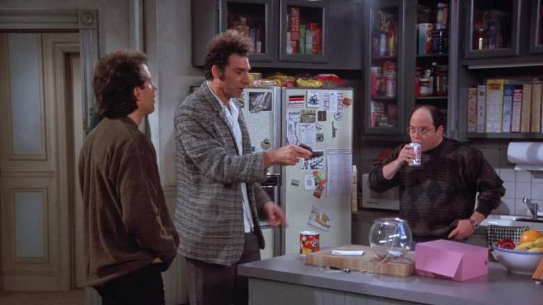 Coca-Cola Soda Enjoyed by Jason Alexander as George Costanza in Seinfeld Season 7 Episode 13 The Seven (2)